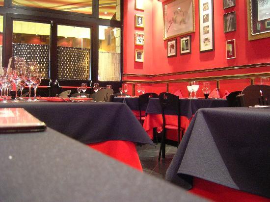 16 Rosso: l'interno del ristorante