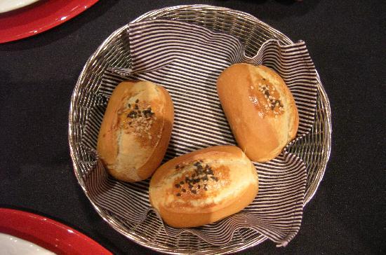 16 Rosso: pane al sesamo