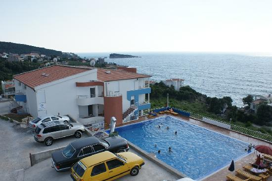 Utjeha, Karadağ: A new apartment complex with a breathtaking view over the Adriatic Sea!