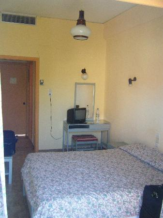 Hotel Ilis: Room 219