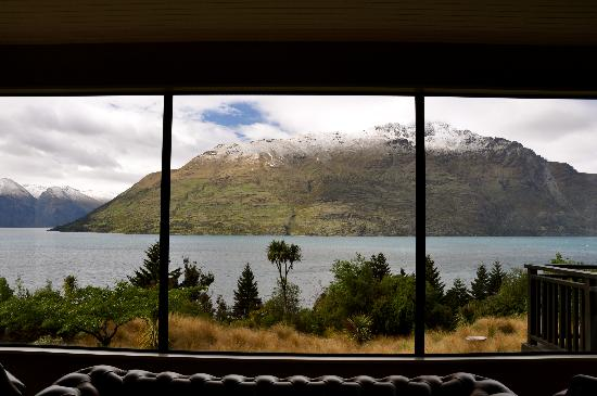 Hidden Lodge: view from the hall