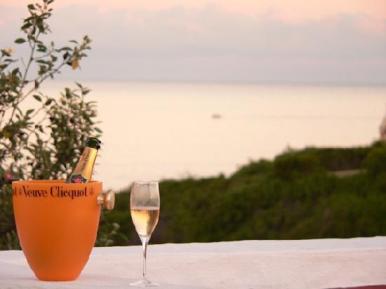 Angels' Cottage B&B : Bubbly air in the evening