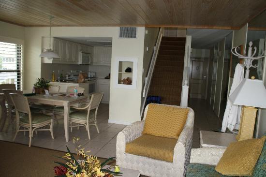 Tortuga Beach Club Resort: inside