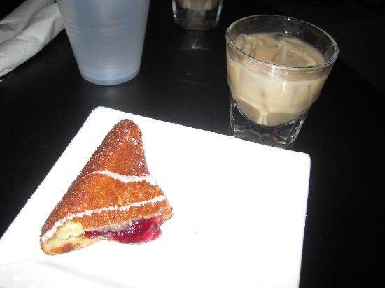 Charm City Food Tours: Yes, that is a fried PB&J with a white russian. Delish!
