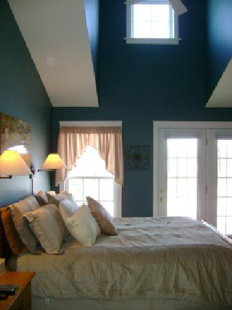 Bonshaw Breezes Bed and Breakfast: The heavenly Morning Glory Suite