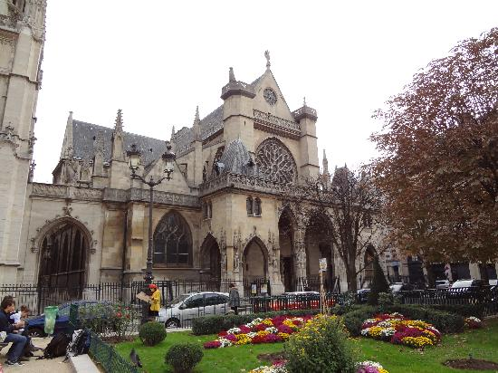 Paris UNDERbelly Discovery Tours and Supper Club: Beautiful churches everywhere