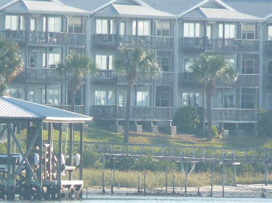 Seahorse Landing-water side