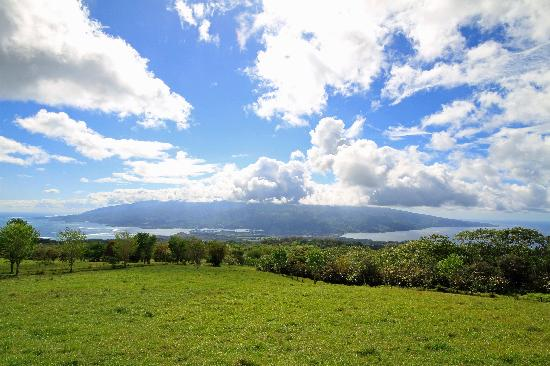 Tahiti-nui, from the viewpoint on the Taravao Plateau