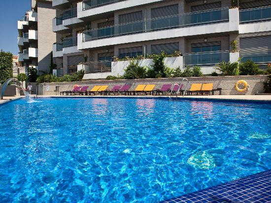 Artplatinum suites apartments bewertungen fotos for Swimming pool preisvergleich