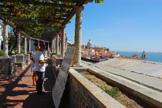 Miradouro de Santa Luzia : la terrazza