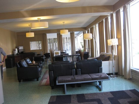 Americana Hotel: Lobby picture 1