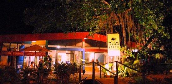 La Oveja Negra Hostel and Surf Camp