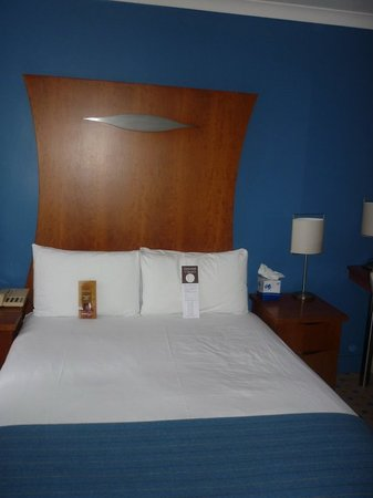 Corus Hotel Hyde Park London: Room
