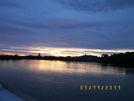 Sarawak River Cruise : Moods of the sky