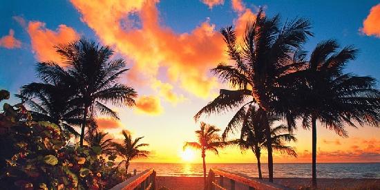 Beachside Village Resort: Sensational Sunsets