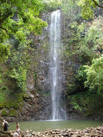 how to get to secret falls kauai