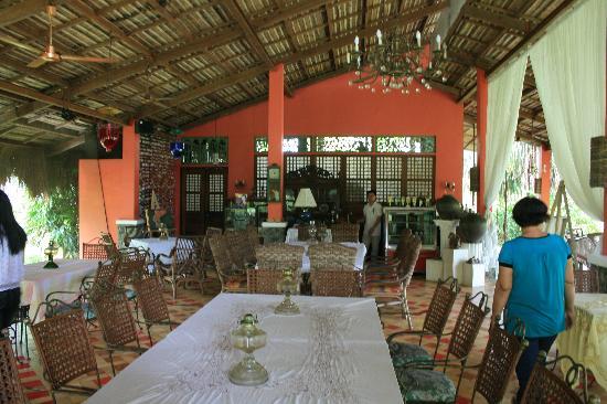 Rafael Farms Garden Restaurant: Main dining area