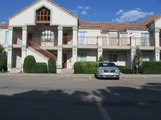 HYATT House Dallas/Las Colinas: Vista desde afuera