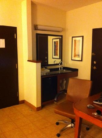 Hyatt Place Atlanta/Cobb Galleria: entry door and door to neighbors room