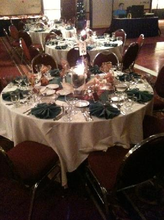 Ramada Plaza Rochester Airport : Place Setting- Fall Themed