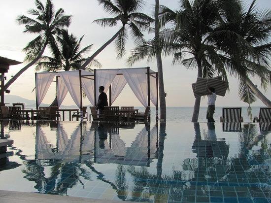 Tango Luxe Beach Villa : infinity pool