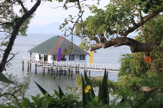 Stilts Calatagan Beach Resort: serene setting