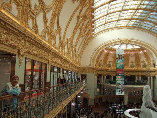 Shopping Stadsfeestzaal: Innenansicht2