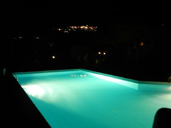 Casa Campanella Resort : piscina di sera
