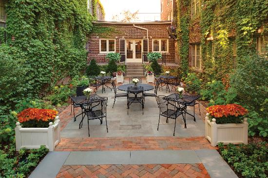 The Plaza Hotel: Cafe Courtyard