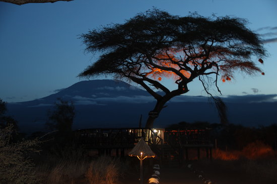 Steve & Richard Day Tours & Safaris : Amboseli Sentrim Camp