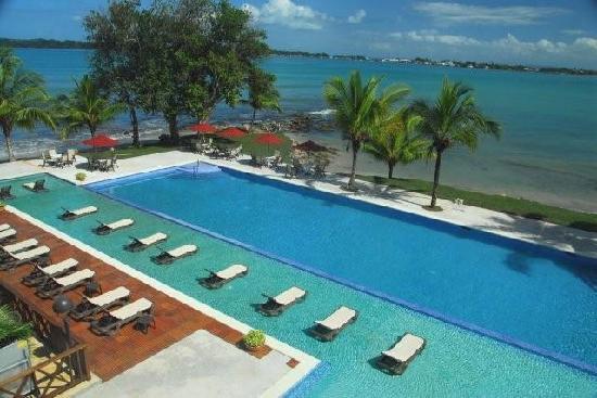 Bocas Del Toro Hotels: Playa Tortuga Hotel & Beach Resort $115 ($̶1̶4̶3̶