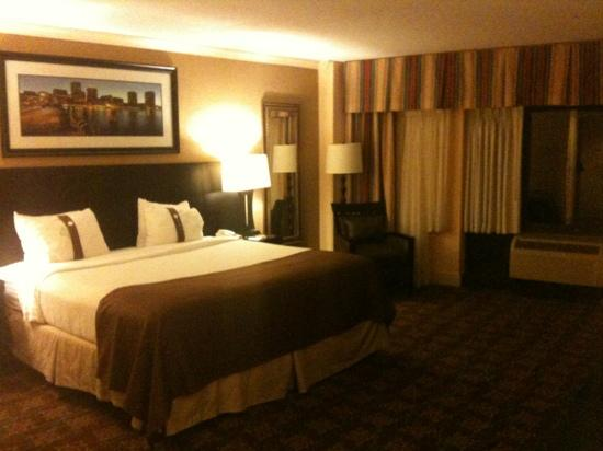 Holiday Inn Tewksbury Andover: executive king suite