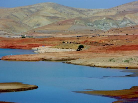 Tin Mal Mosque: lago Dayet Srji e i fantastici colori delle montagne