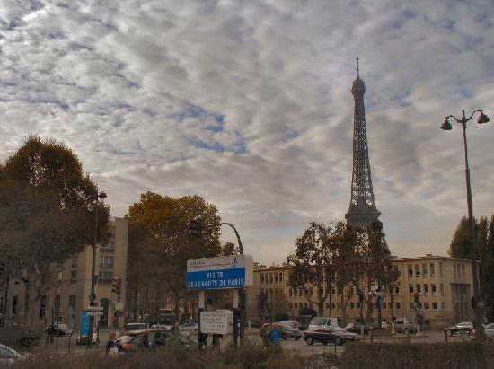 """Musee des Egouts de Paris: """"Visit the Paris Sewers"""" sign"""