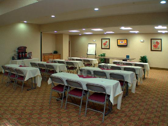 Comfort Suites Eugene: Extended Meeting Space