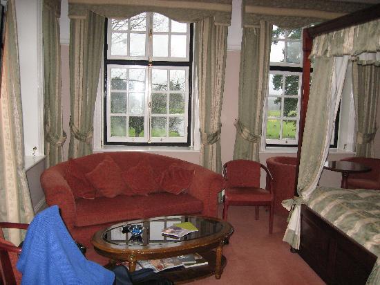 Llansantffraed Court: Our room