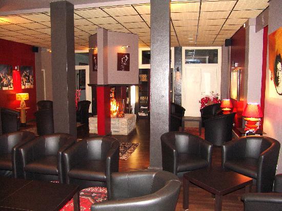 Hotel du Golf le Lodge : Salon Cheminée