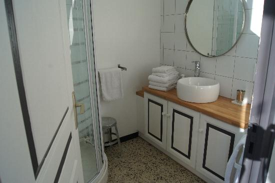 Gite et Chambres d'Hotes - Le Valmet : la salle de bain