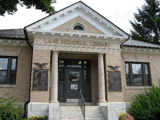 Lamies Inn and The Old Salt Tavern: Lane Library, Hampton, NH