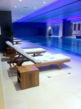 Grange Tower Bridge Hotel: Swimming Pool