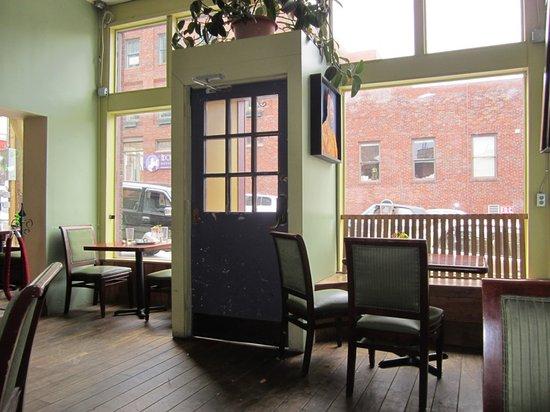 Green Light Cafe: Inside of Cafe -- I like sitting by the windows