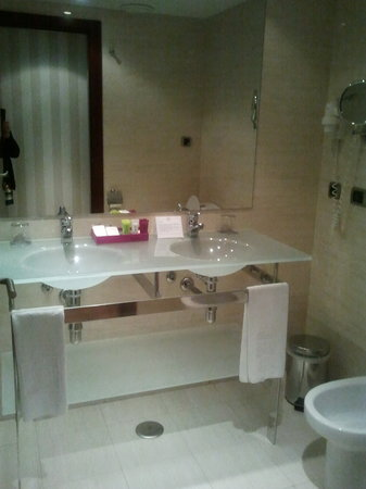 Hotel Zenit Borrell: Bathroom