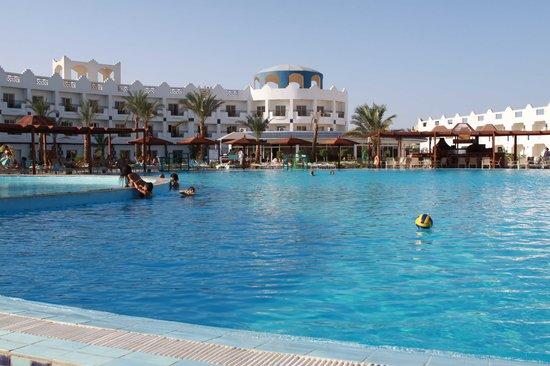 Golden 5 Paradise Resort: pool