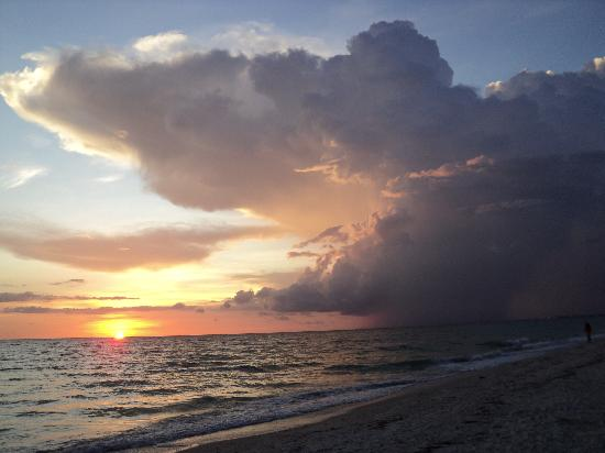 Bonita Beach & Tennis Club : Beautiful sunset