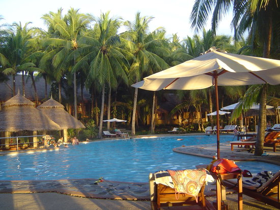 Coco Grove Beach Resort: Pool