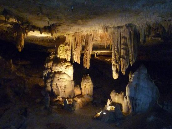 Springfield, MO: Inside the caverns