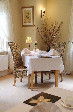 Heath Close: Dining room