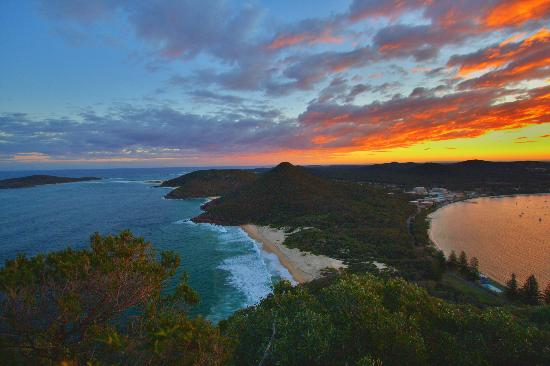 Шоал-Бей, Австралия: sunset at tomaree head