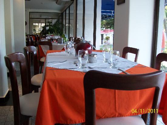 Hotel Arena Blanca: salon comedor
