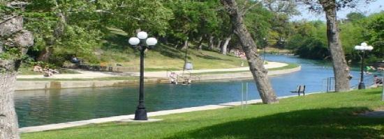 RiverRun Condominiums: Beautiful Comal River